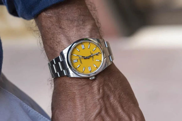 Yellow Oyster Perpetual 124300 replica