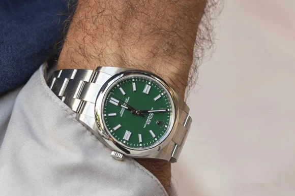 green Oyster Perpetual 124300 replica