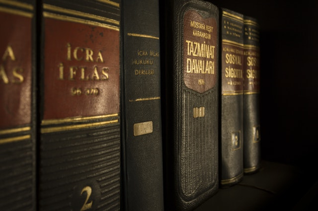 icra-iflas-piled-book